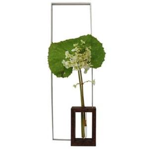 Vase : verre, aluminium et bois