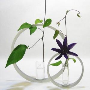 """Vase """"Utakata"""", anneaux en aluminium"""