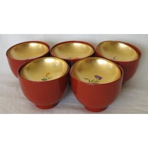 Set de 5 bols laqués avec couvercles